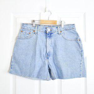 Levi's High Waisted Light Wash Mom Shorts 10 REG